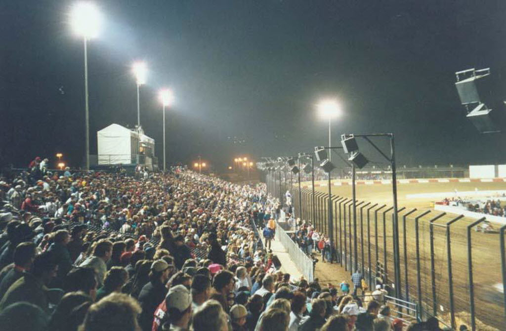60413 bytes; 800 x 524; Photo of Perris Auto Speedway, which will host the Turkey Night Grand Prix on Thanksgiving night.