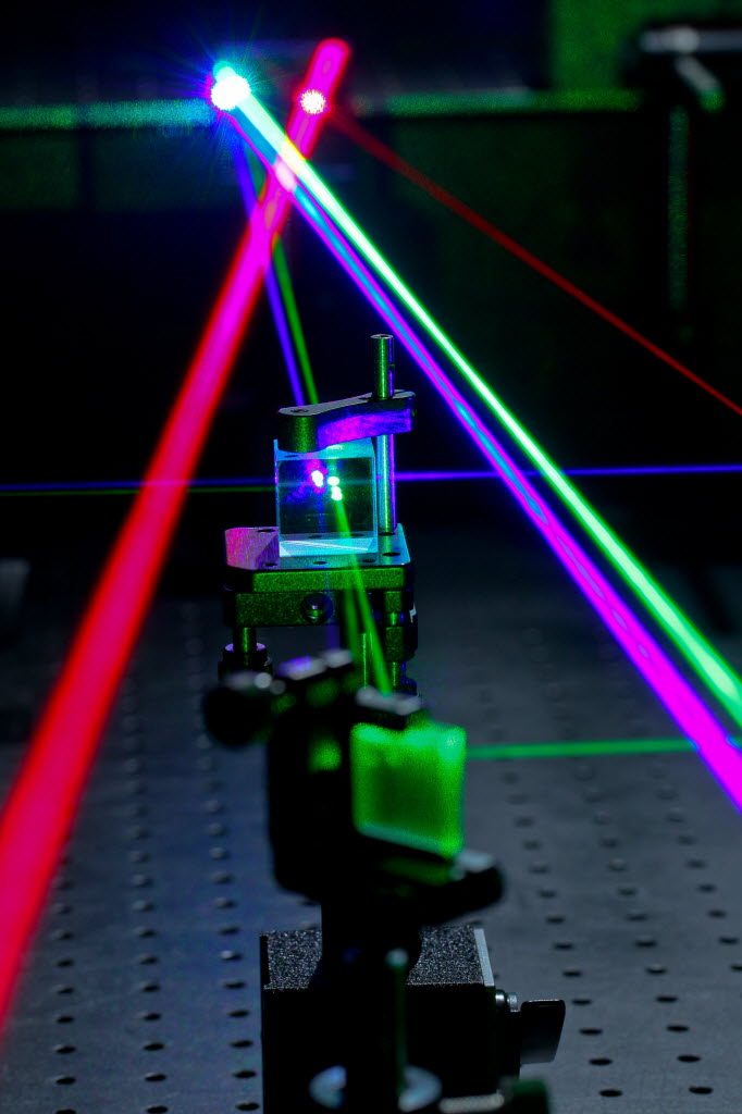 623632 bytes; 2634 x 3951; A visible laser is used to align various optical components at Naval Surface Warfare Center (NSWC),