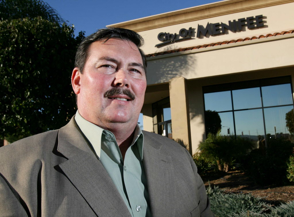 409093 bytes; 2704 x 2000; Scott Mann is the first elected mayor for Menifee at Menifee City Hall in Menifee, Nov. 20, 2012.