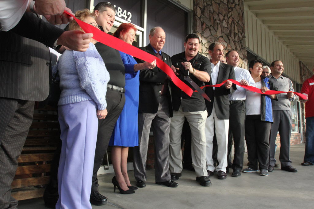 455070 bytes; 2592 x 1728; County Supervisor Marion Ashley and Menifee Mayor Scott Mann cut the ribbon on the Menifee Sun City